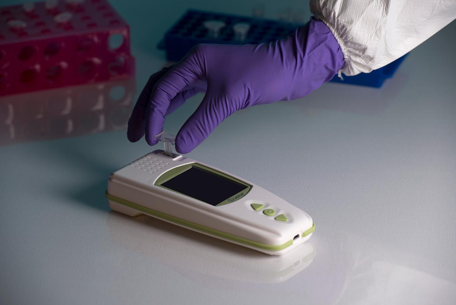 Appareil de mesure INR pour les professionnels de la biologie