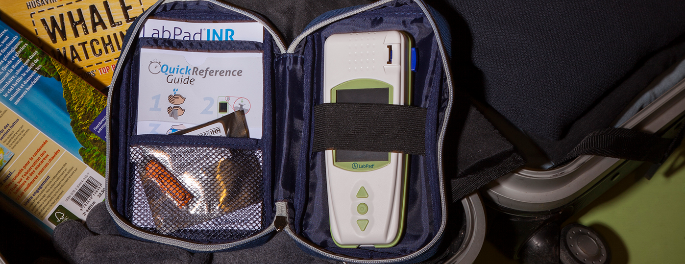 Utiliser l'appareil de mesure INR LabPad® hors du domicile